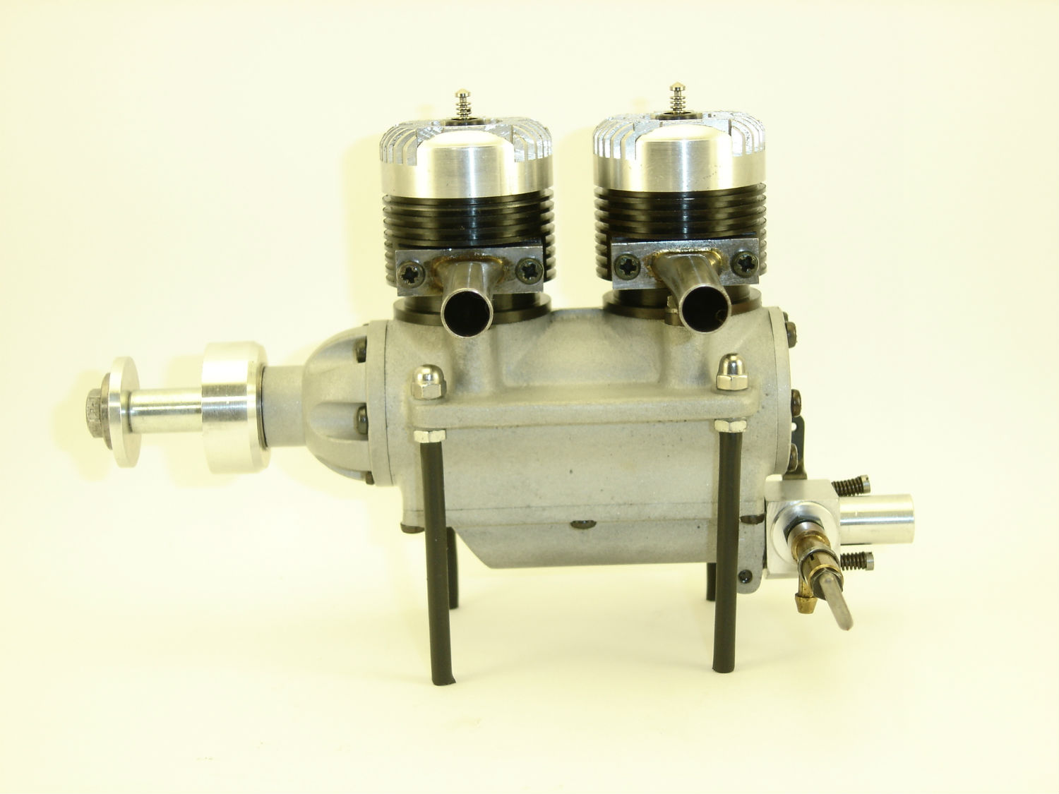 http://jmcollection.free.fr/Images%20moteur/micron2x24l3.jpg